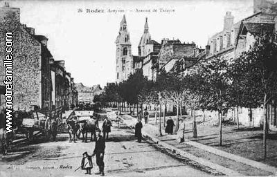 AVEYRON_-_Rodez_avenue_Tarayre